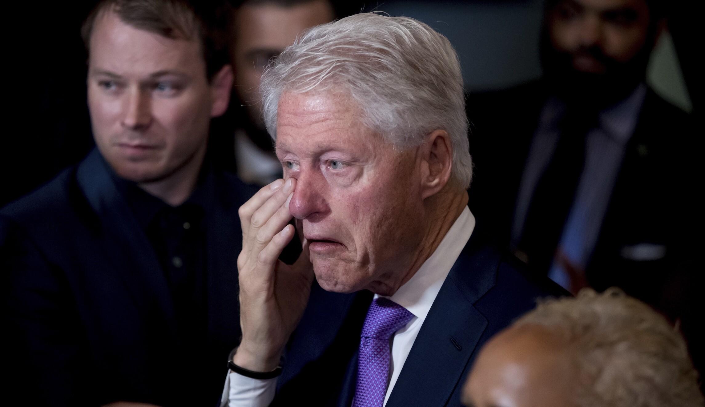 克林顿在哭
