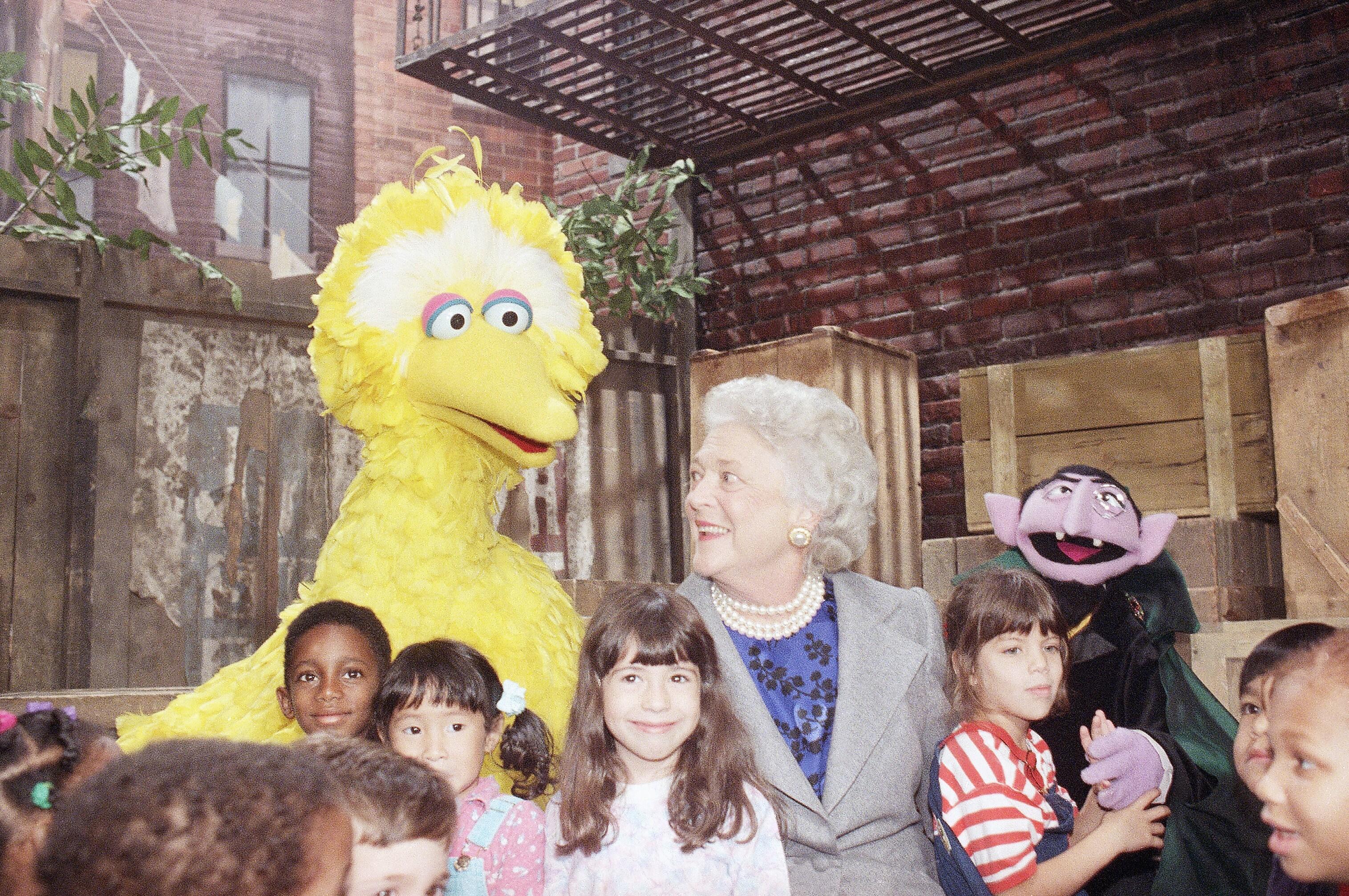 """布什在""""芝麻街""""1989年10月"""