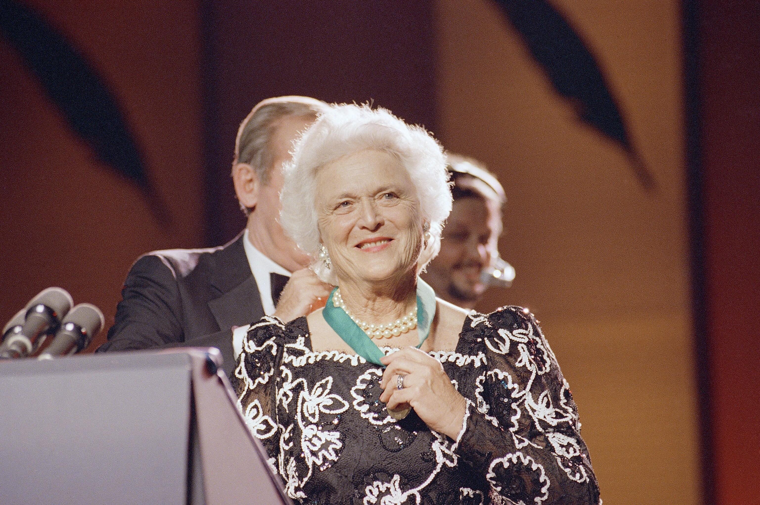 芭芭拉布什文学荣誉1988年11月
