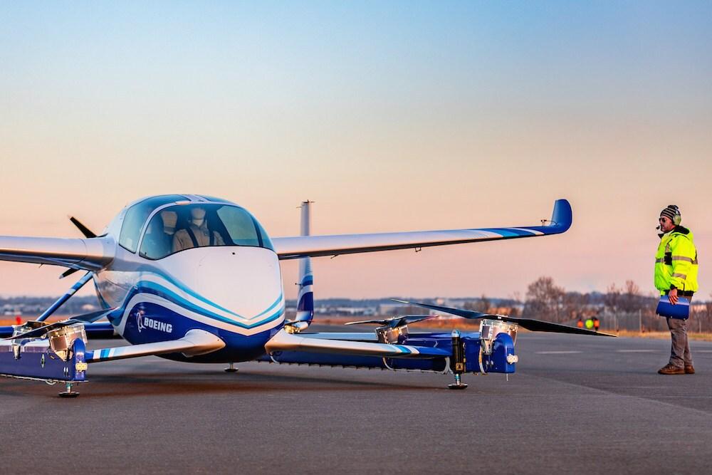 美国飞机制造商波音公司于1月22日星期二完成了第一次可以在大城市地区使用的自驾飞机。