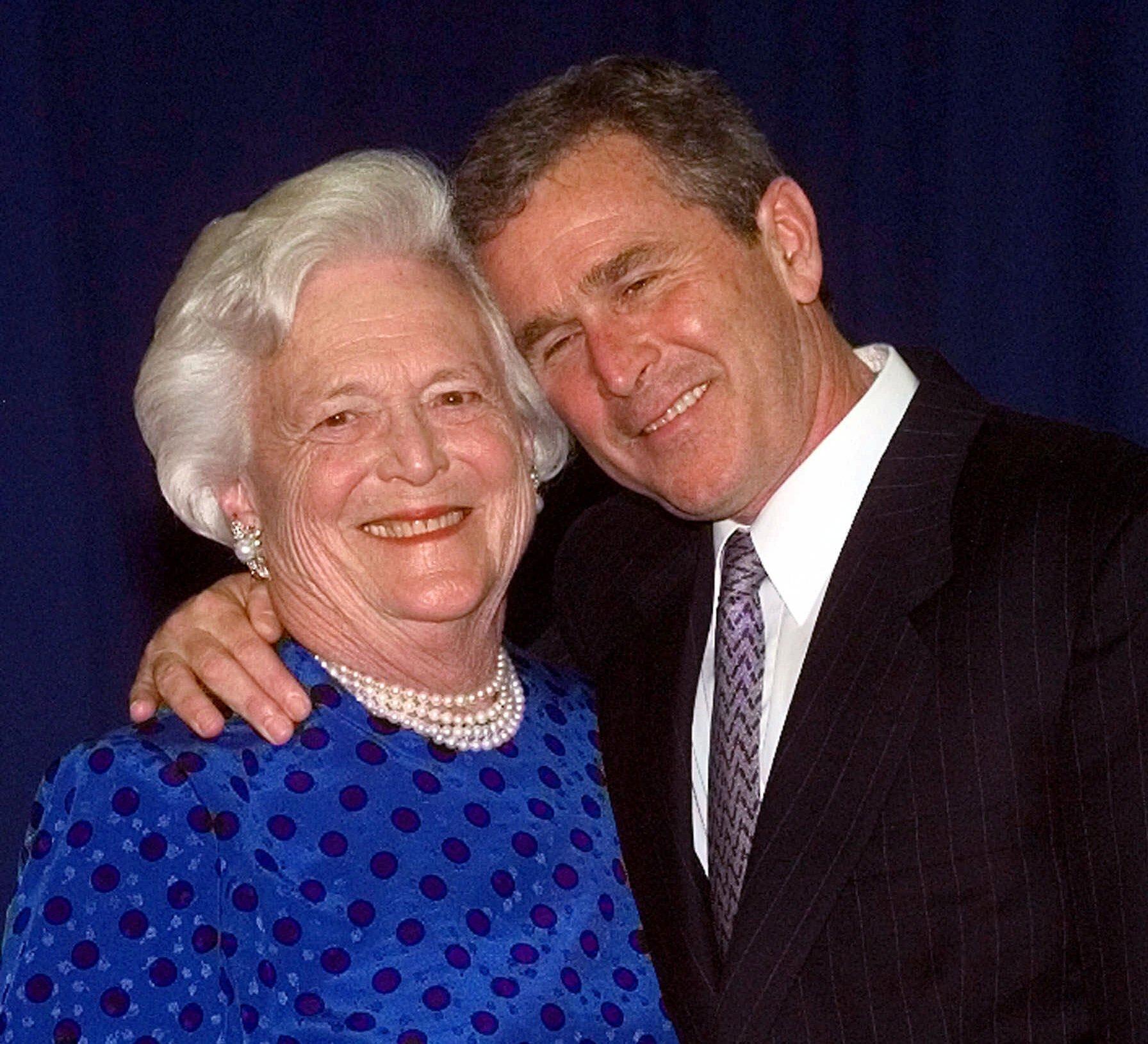 布什于1999年6月