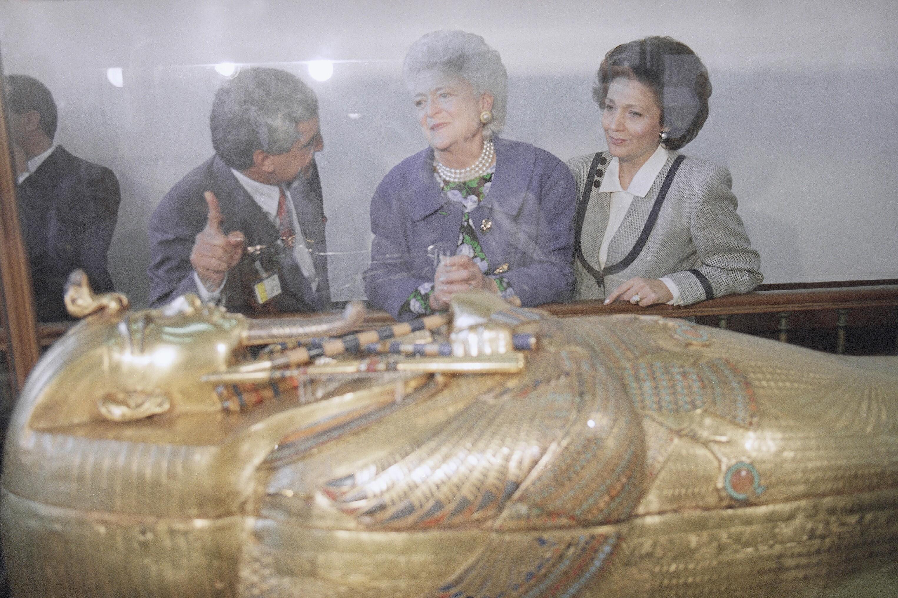 芭芭拉布什在Tutankhanum开罗1990年