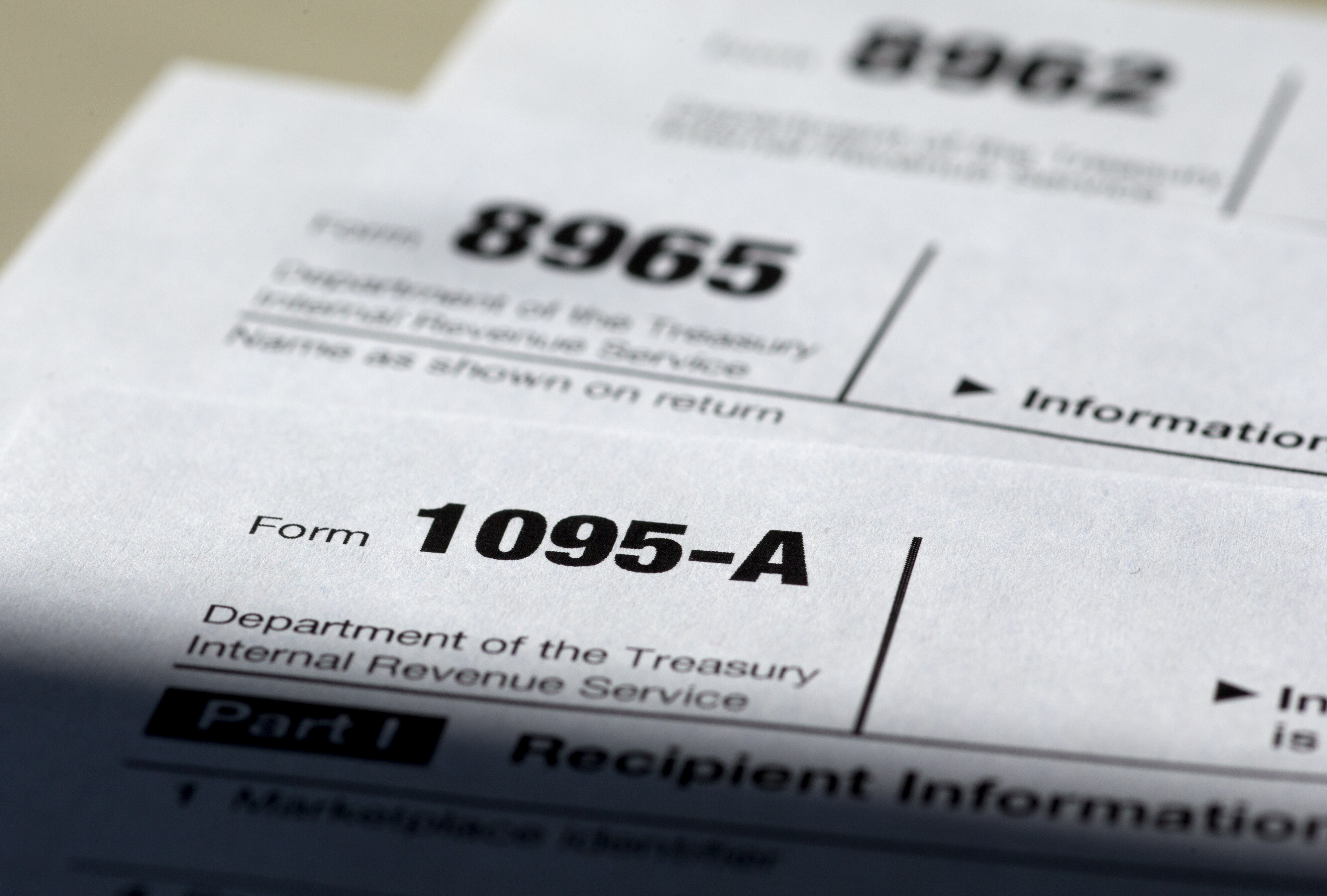 IRS gives recipients of botched tax forms more time