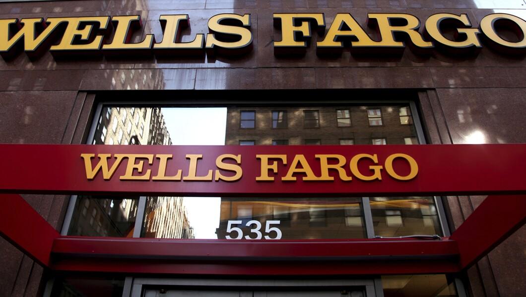 102516 Giaritelli wells fargo Pic