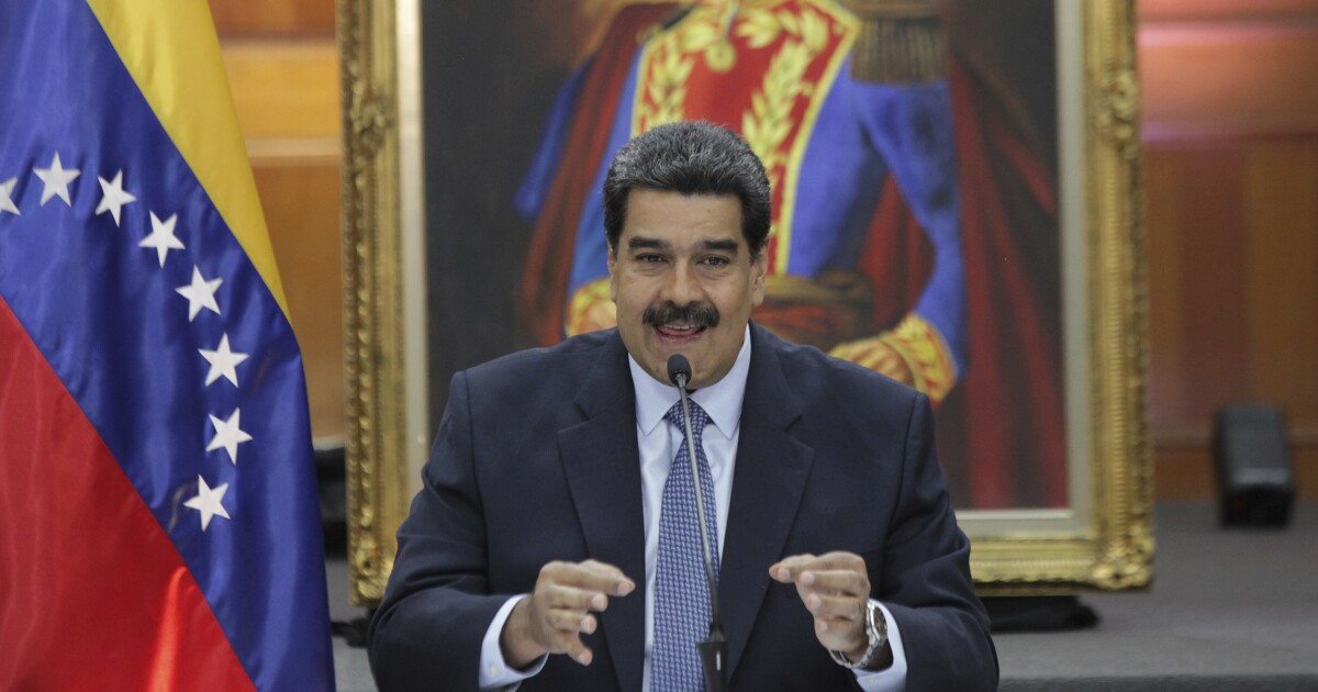 White House offers safety to Maduro if he leaves Venezuela peacefully