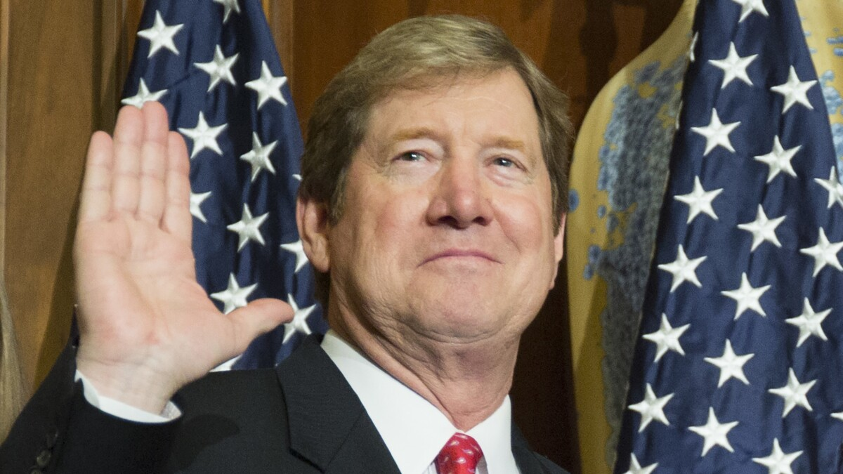 Republican lawmaker Jason Lewis in the hot seat after unearthing of old comments on 'sluts'