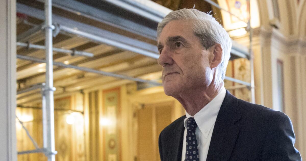 Alan Dershowitz: Robert Mueller 'gearing up' to subpoena Trump