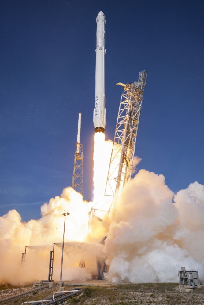 The 45th Space Wing supported SpaceX's successful launch of a Falcon 9 Dragon spacecraft headed to the International Space Station from Space Launch Complex 40 at Cape Canaveral Air Force Station April 8 at 4:43 p.m. ET.