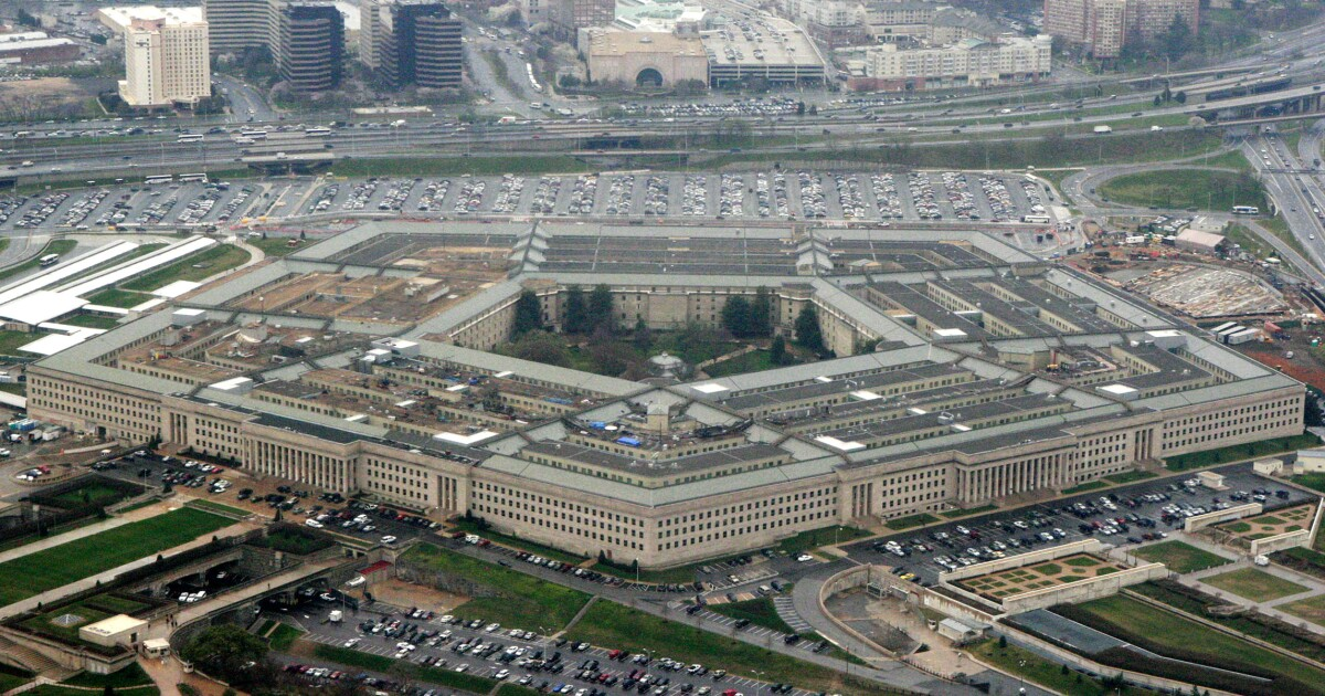 Defense intelligence analyst pleads guilty to leaking classified information to journalists