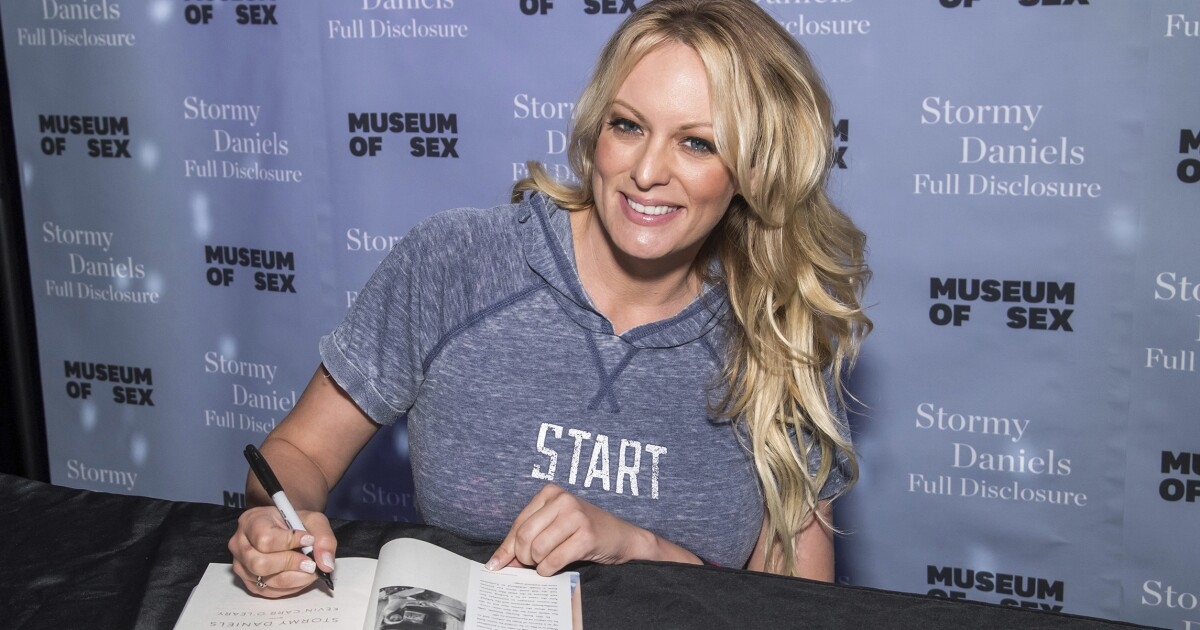 Stormy Daniels hosting abortion rights 'swamp trash block party'