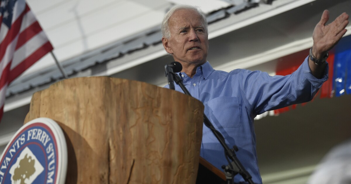 https://www.washingtonexaminer.com/news/joe-biden-worked-with-whistleblower-when-he-was-vice-president-officials-reveal