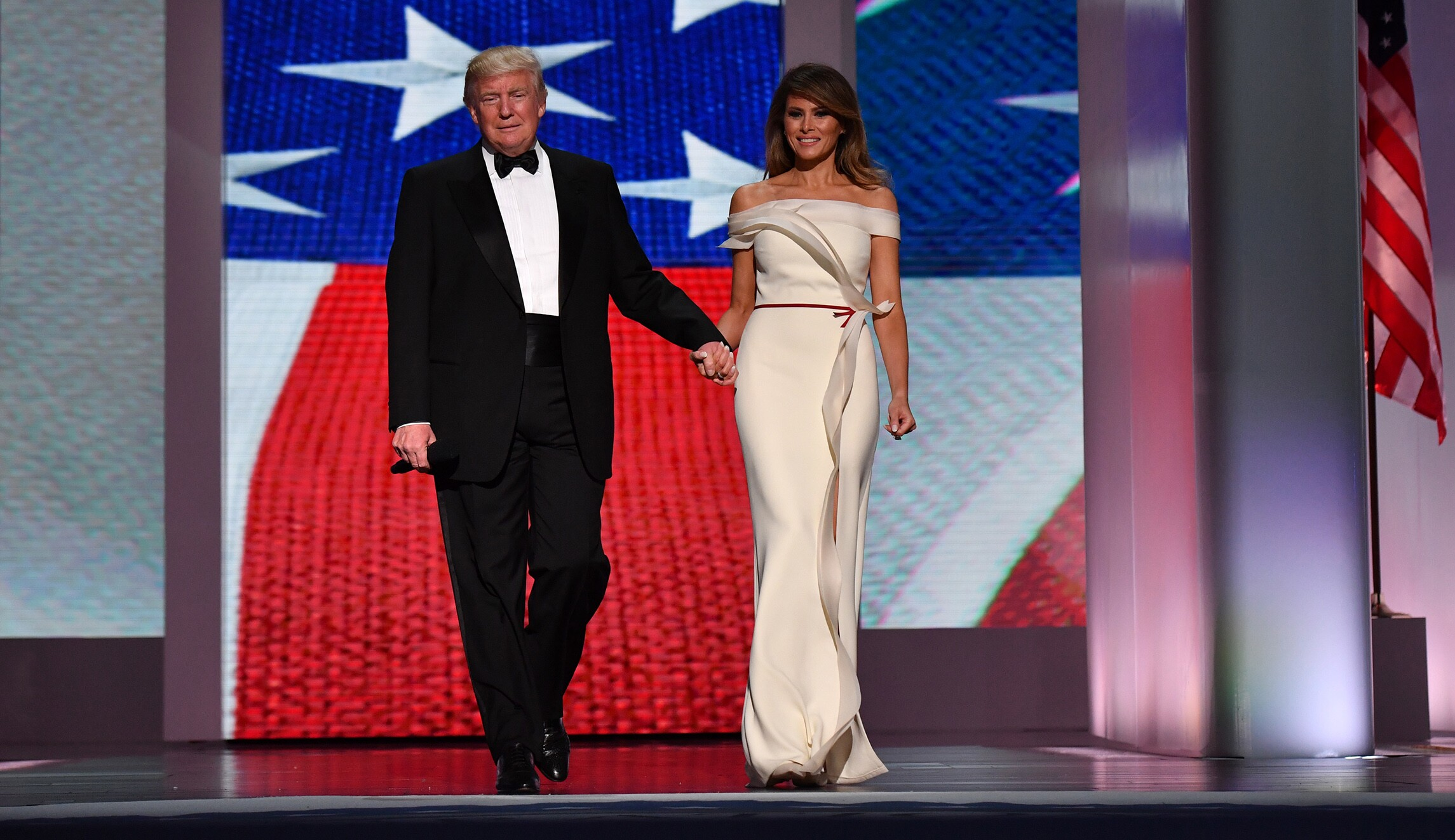 Melania Trump to donate inaugural gown to Smithsonian museum