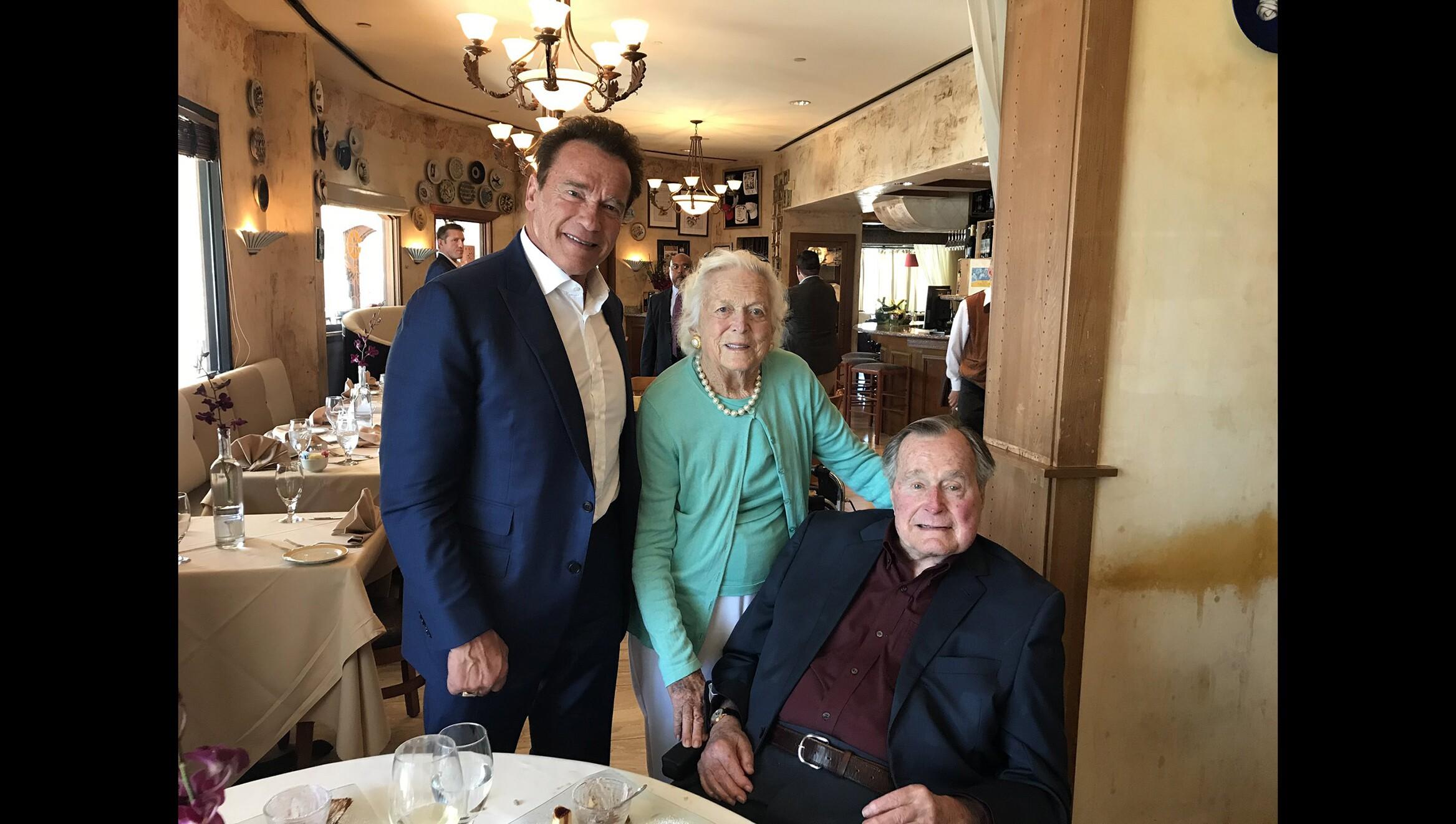 Arnold Schwarzenegger Has Lunch With George H W Bush Barbara Bush