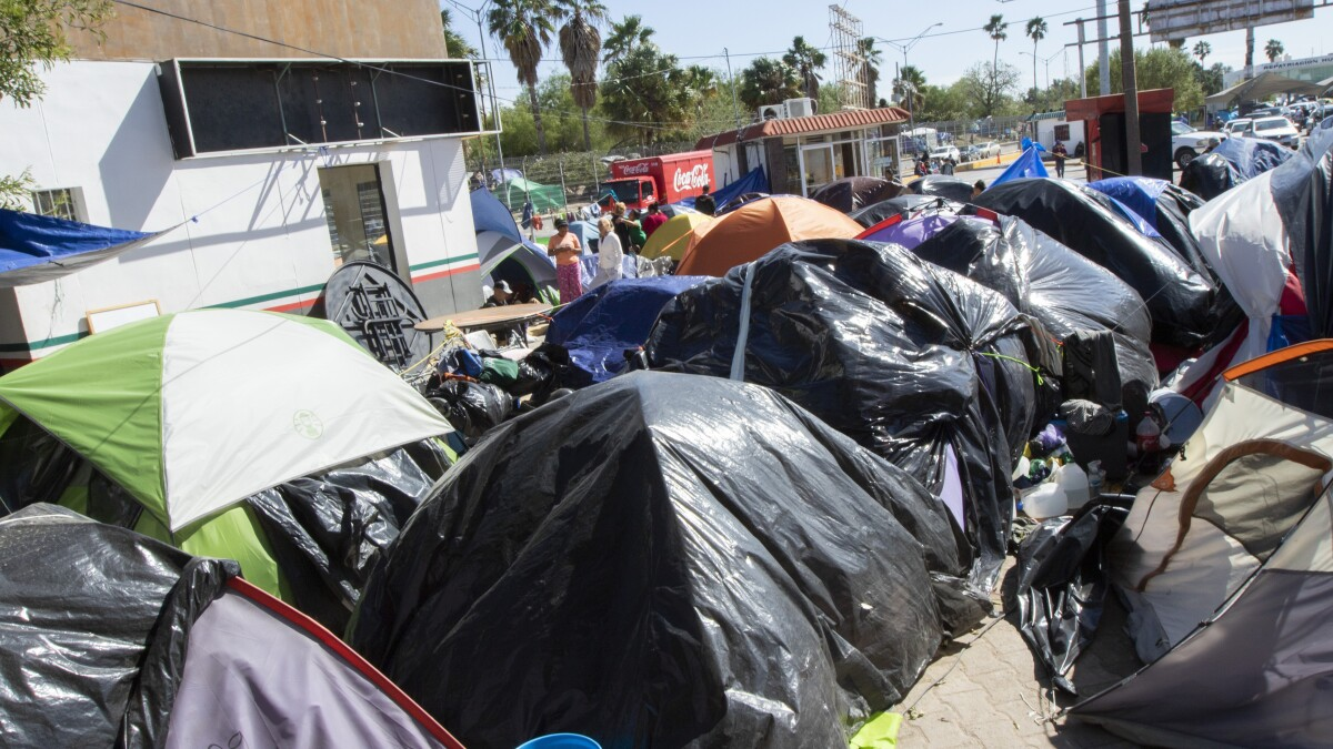 Democrats go to Mexico and blast Trump over border tent cities