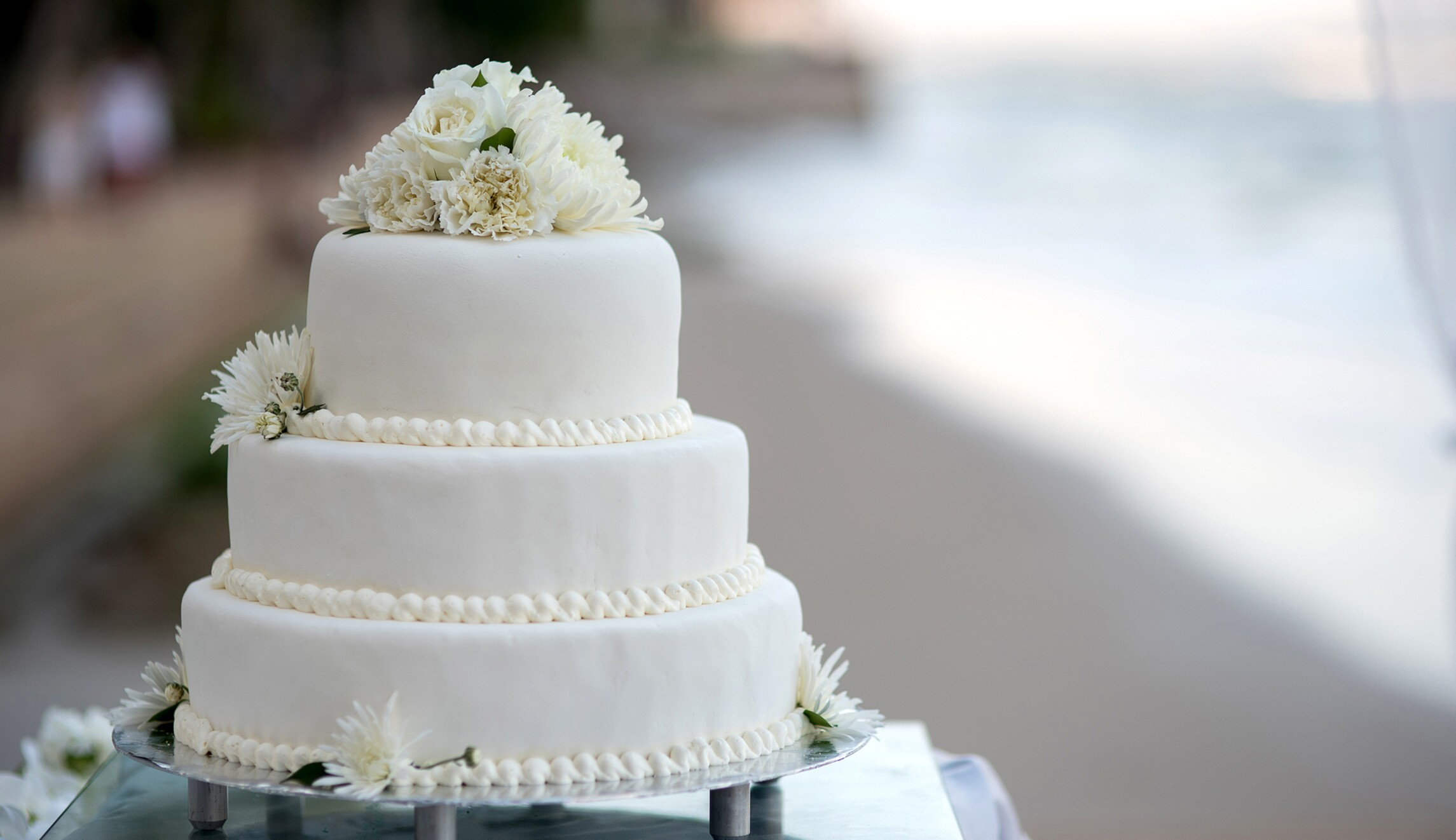 Judge rules California bakery owner can continue to refuse making ...