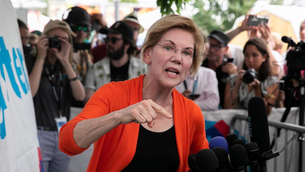 Elizabeth Warren roars for impeachment after Ukraine news 'confirmed' Trump 'thinks he's above the law'