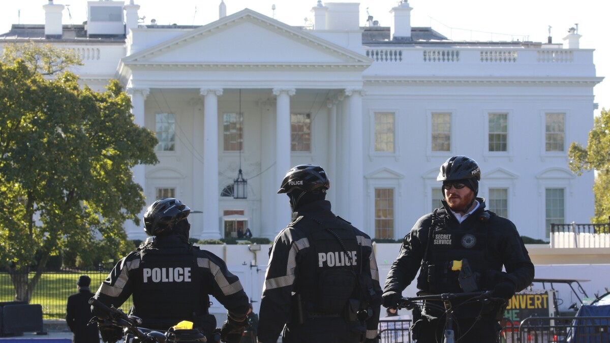 Iowa man pleads guilty to planning to bomb White House and kill Trump