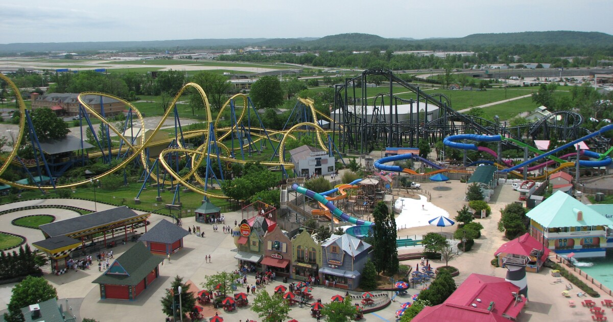 Kentucky theme park pass giveaway to low-income families devolves into violent scrum