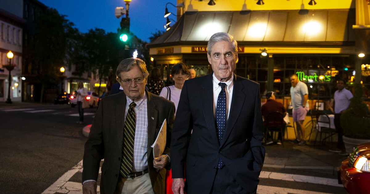 Mueller dines at DC tavern where JFK proposed to Jackie as Congress fights for his testimony