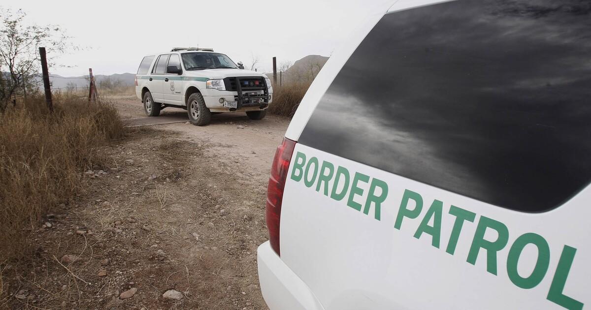 Hasil gambar untuk Border Patrol agent injured in Texas traffic stop shooting