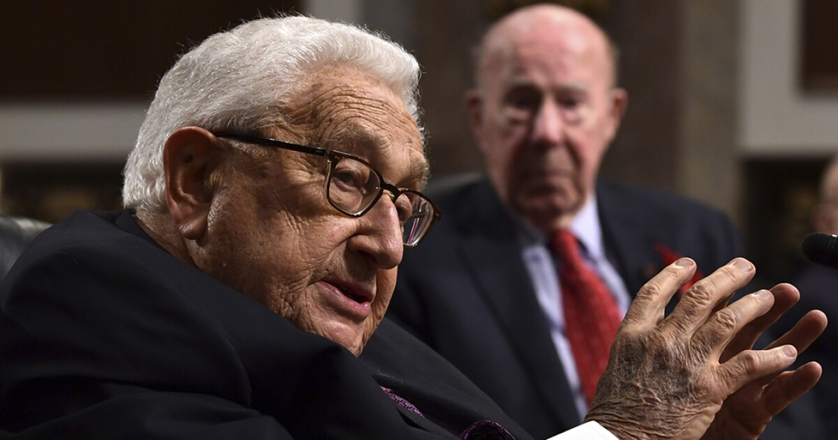 Henry Kissinger warns tech, political leaders at White House about unregulated AI