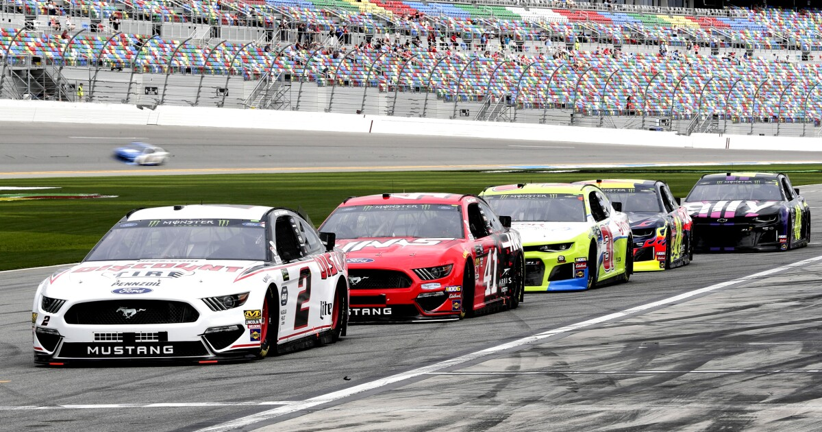 NASCAR fans get the racing they deserve