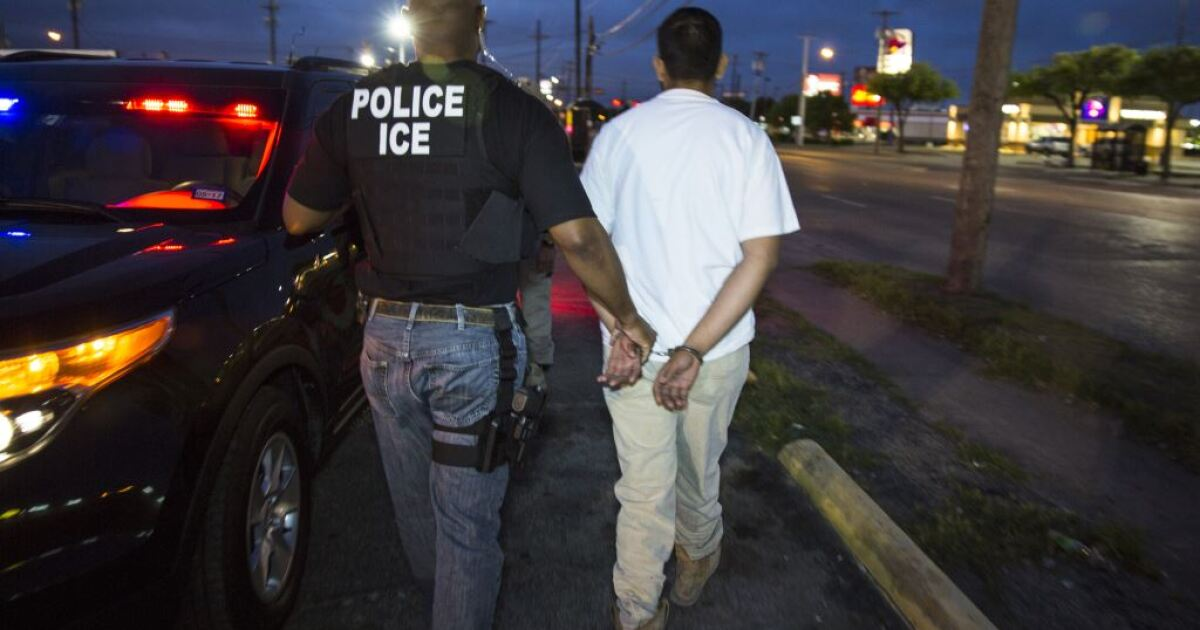 ICE to release almost 700 illegal immigrants due to coronavirus fears