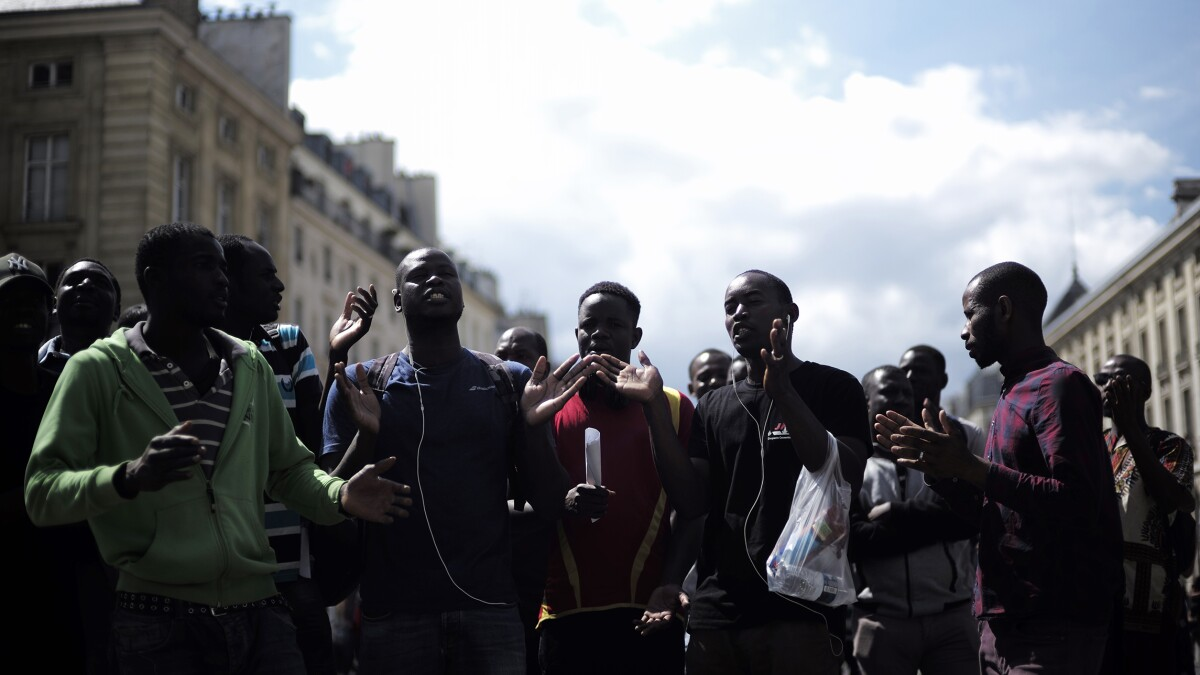 Hundreds of illegal African immigrants storm French Pantheon, demand legal status