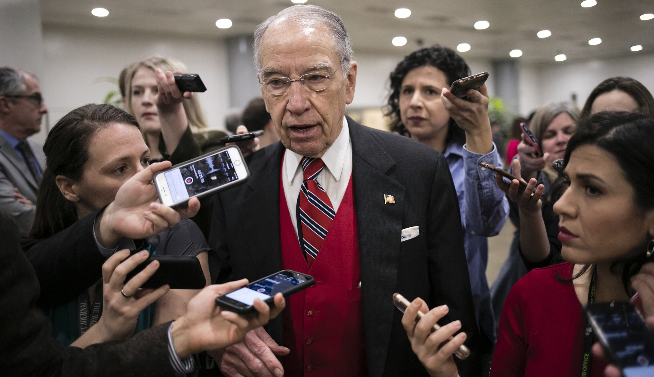Democrats fume as GOP ignores Senate tradition to approve