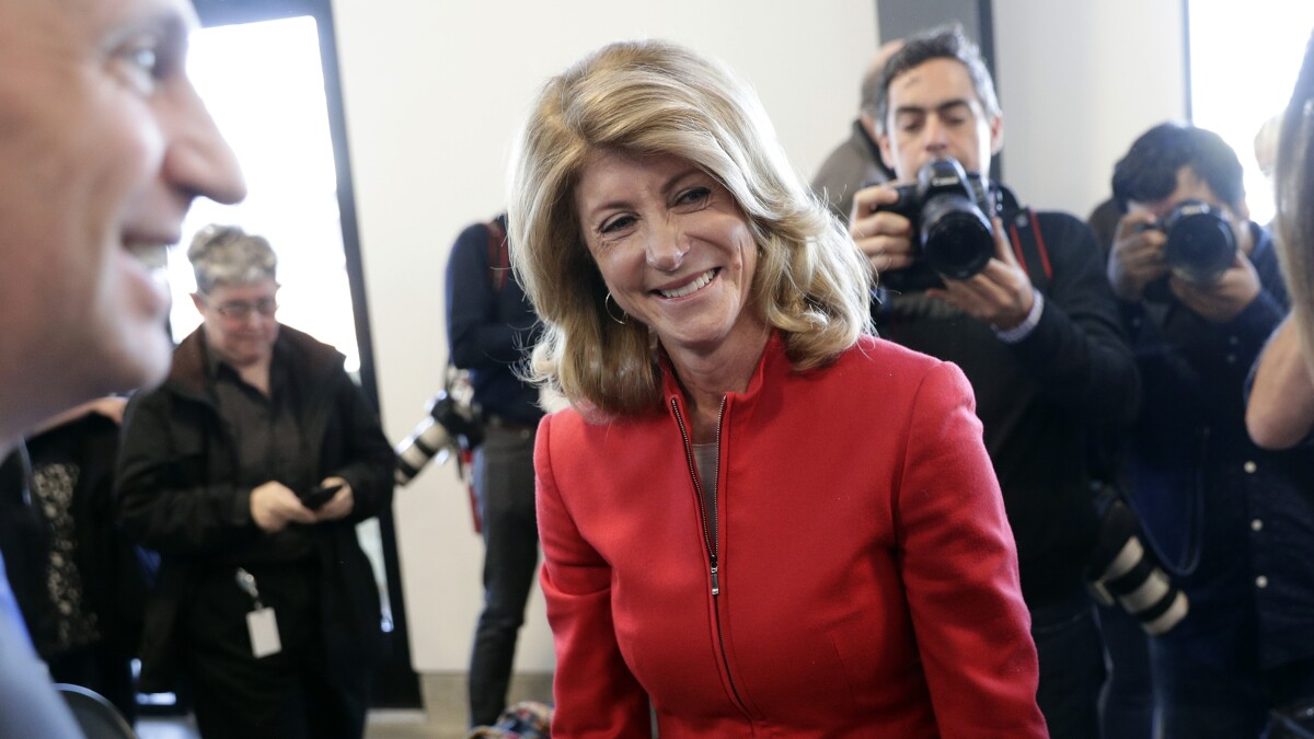 Democrat Wendy Davis is loved by the media, but not Texas