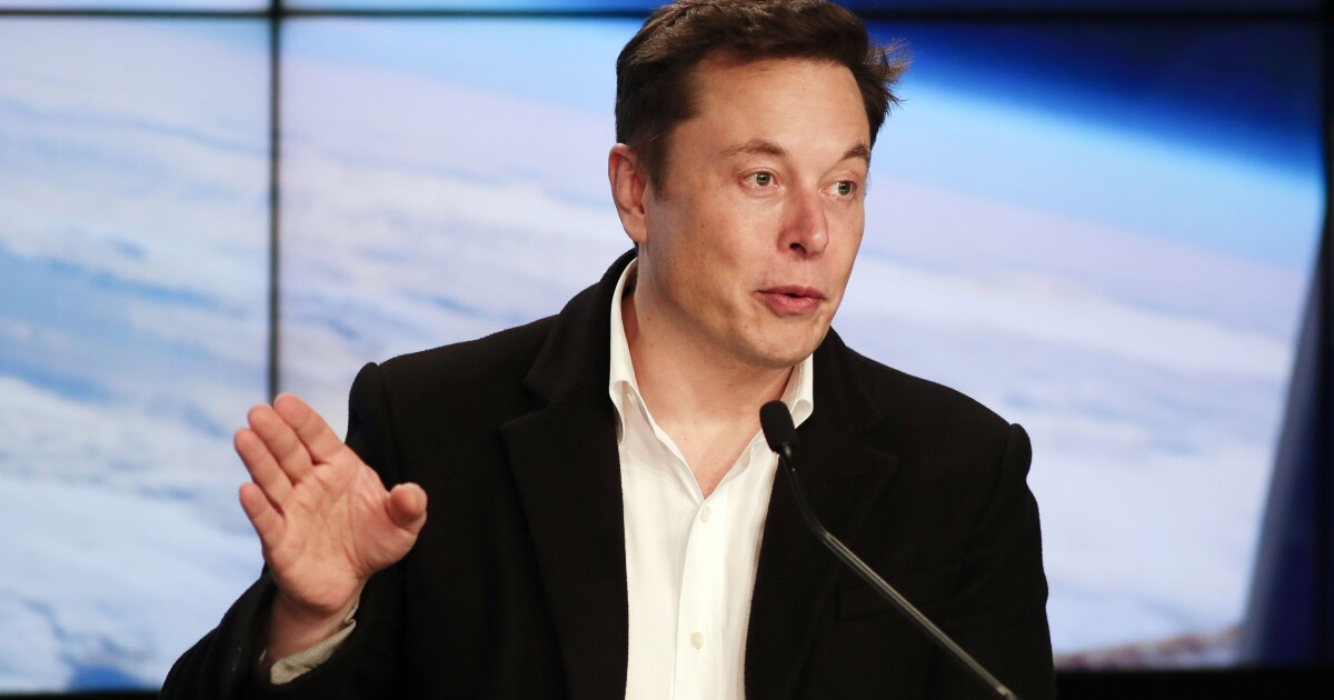 Elon Musk's entrepreneurial race between technology and business troubles