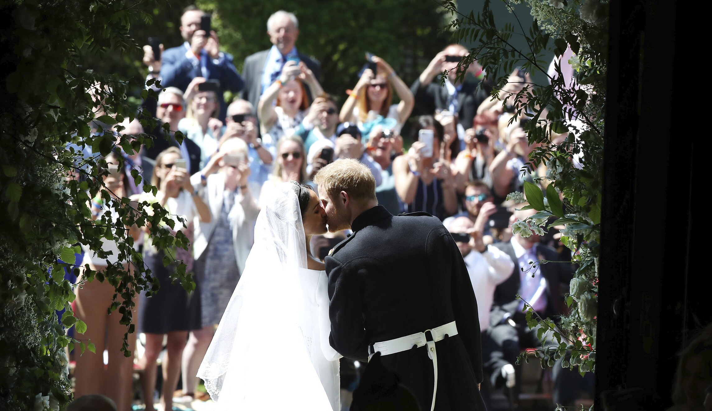 Pictures Of The Royal Wedding.Bbc Trolls Trump Over Crowd Size In Royal Wedding Tweet