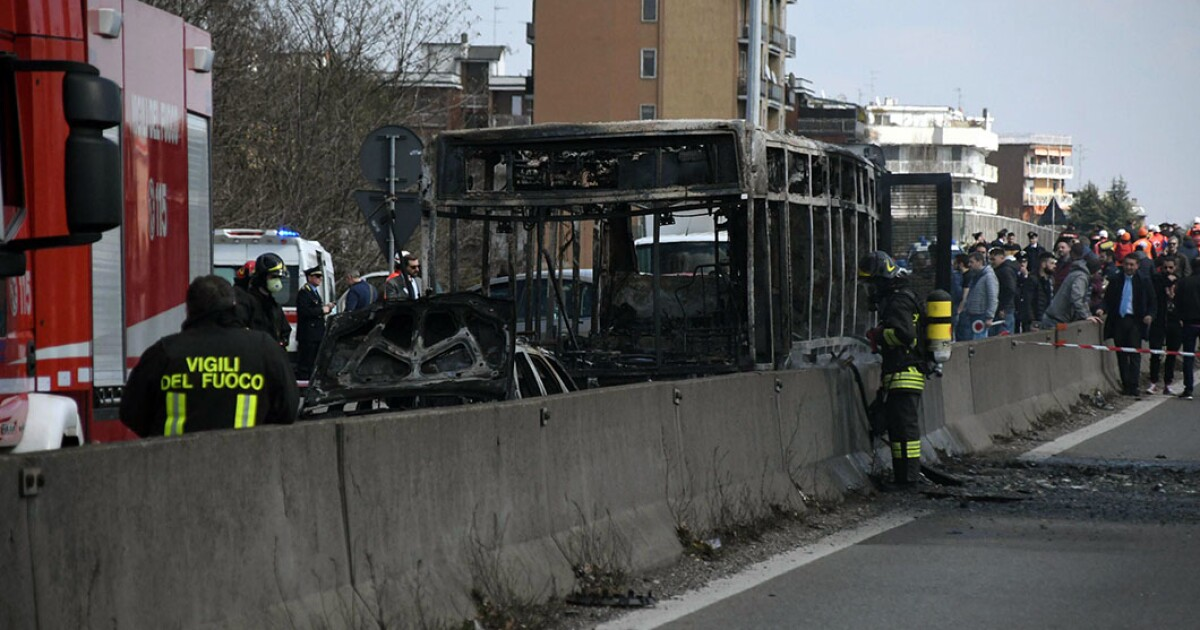 Italian man angry about immigration allegedly abducts 51 children and sets bus on fire
