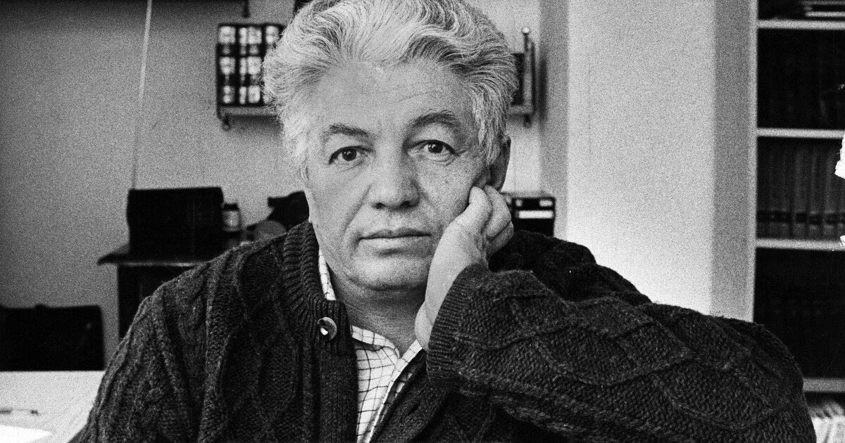Russian Satirist Vladimir Voinovich: 1932-2018