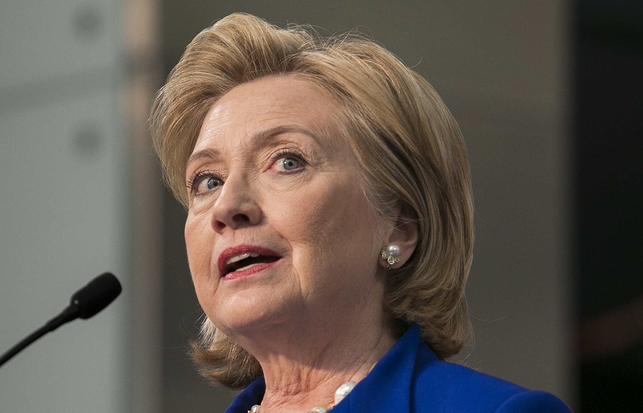 hillary clinton could still face charges over emails experts say