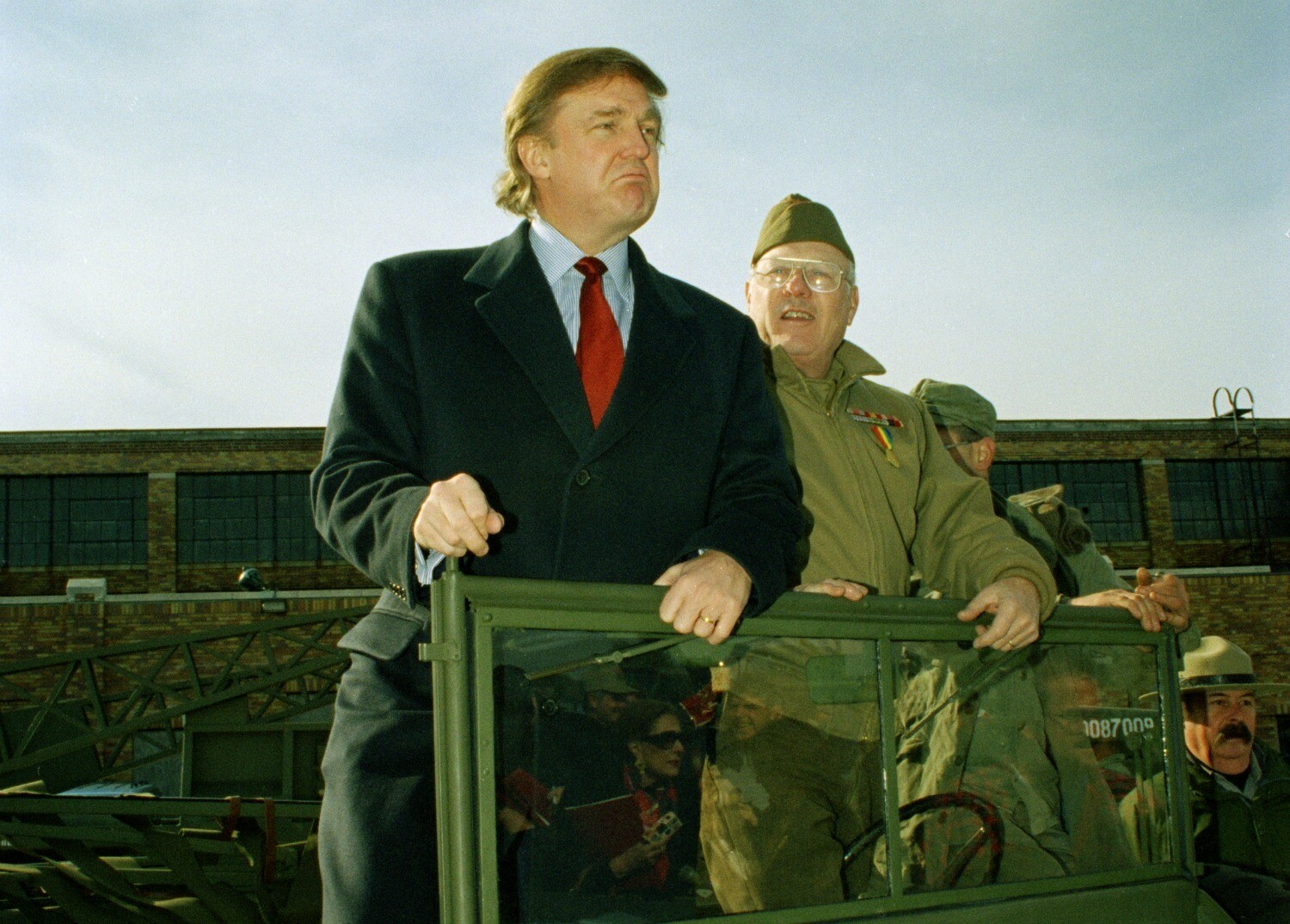 sorry trump opposed the iraq war before clinton
