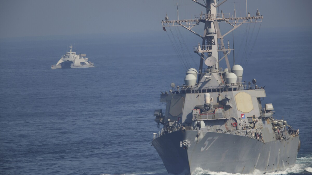 The US Navy sends a double aircraft carrier message to Iran
