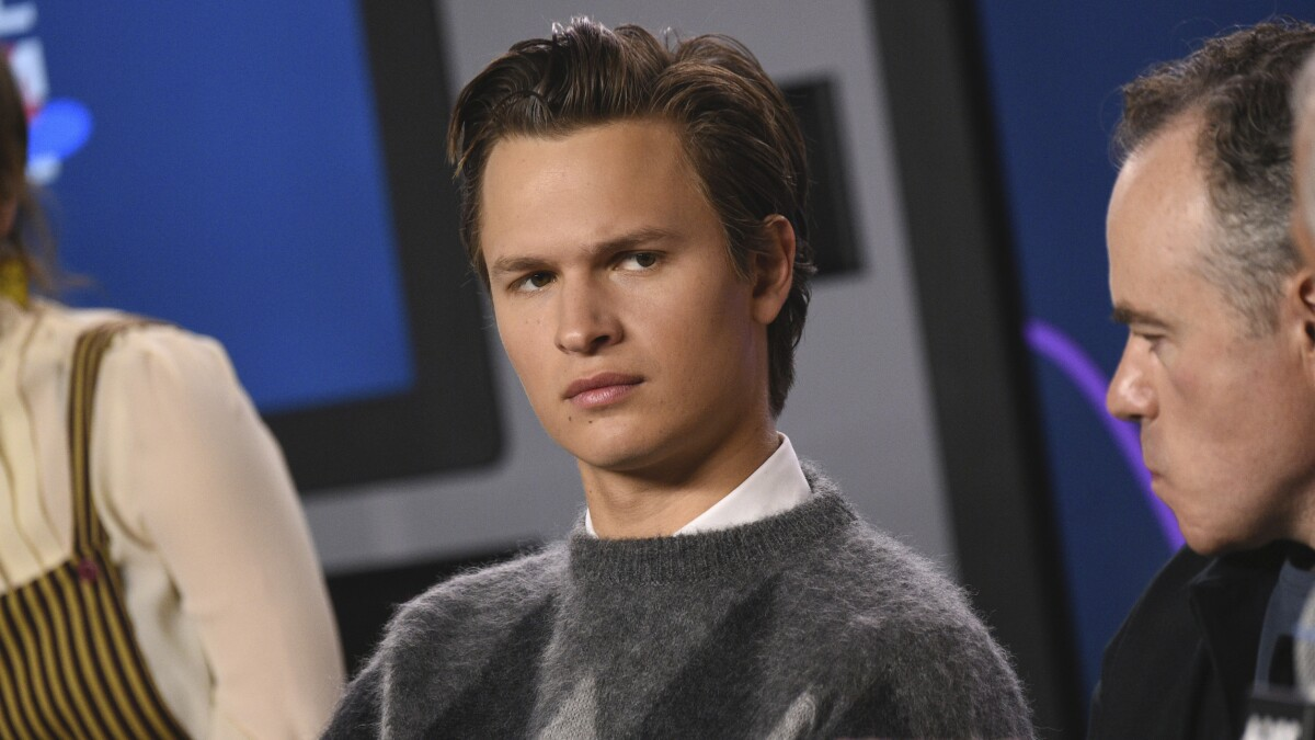 Ansel Elgort's best clapback at <i>The Goldfinch</i> critics: His mom liked the film