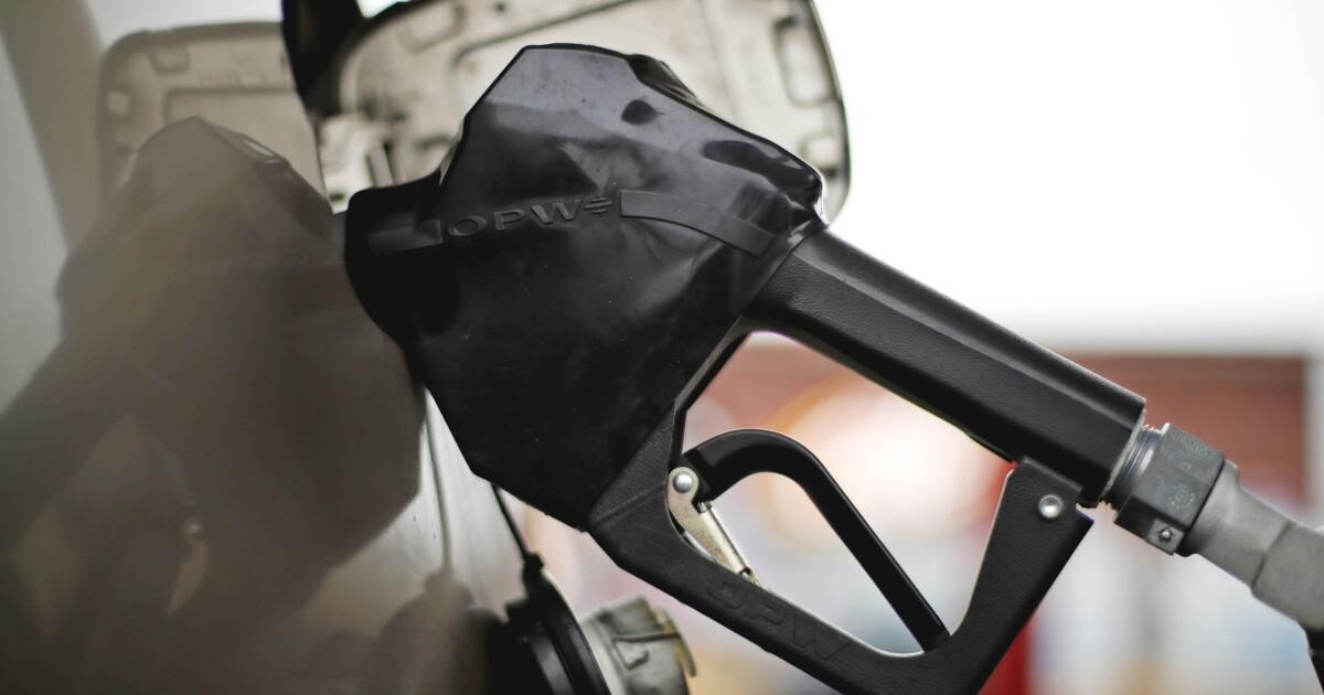 US gasoline prices rise as Venezuela oil sanctions tighten