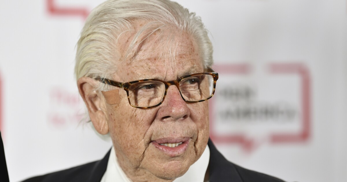 Carl Bernstein: Mueller report shows Trump a threat to national security