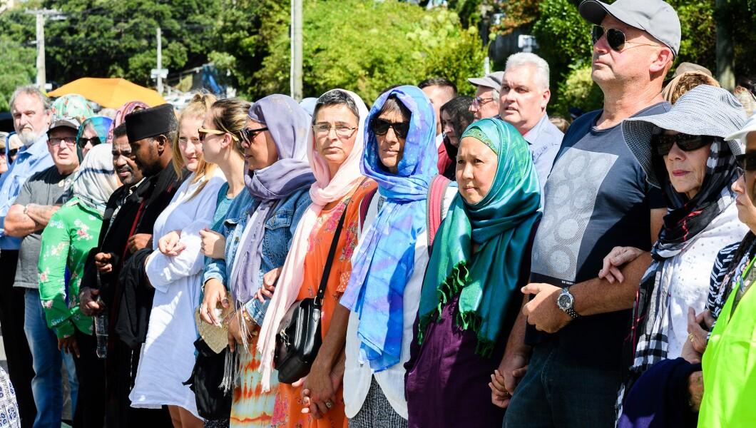 Картинки по запросу new zealand mosque solidarity with muslims