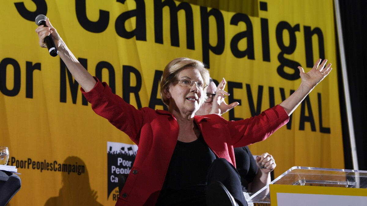 Elizabeth Warren calls for decriminalizing illegal immigration