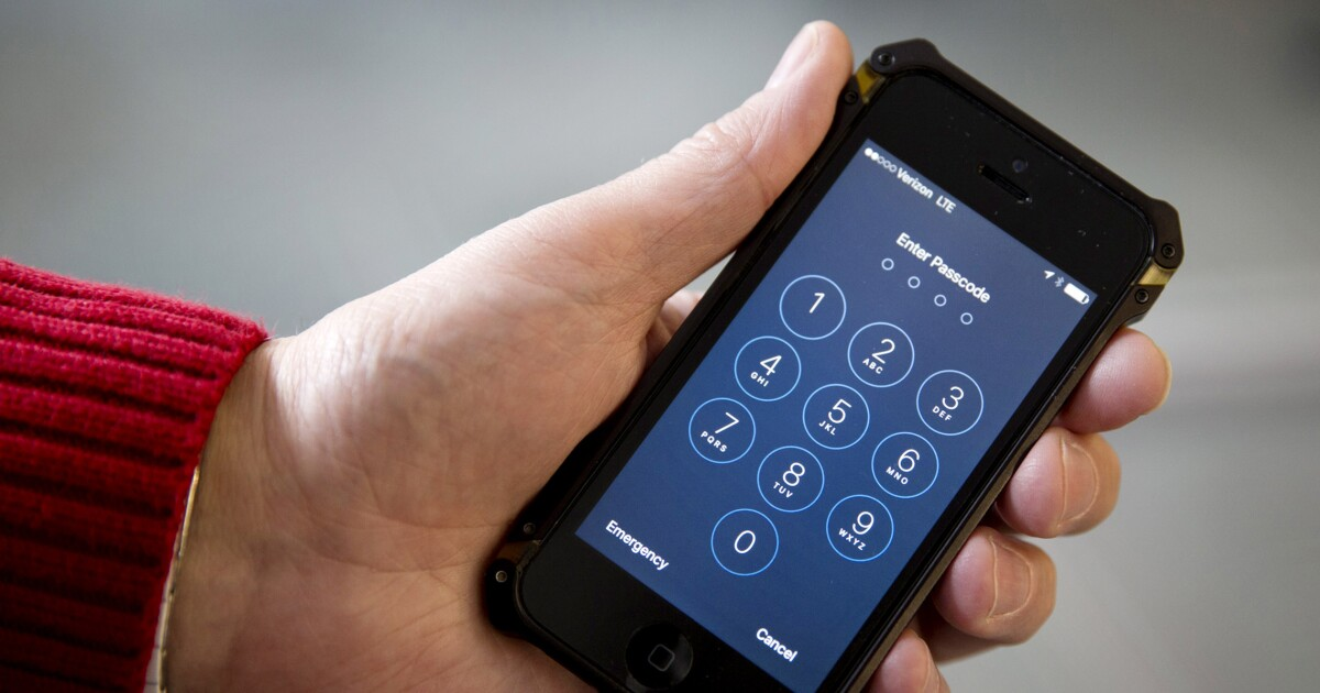 Supreme Court greenlights antitrust suit over iPhone app prices