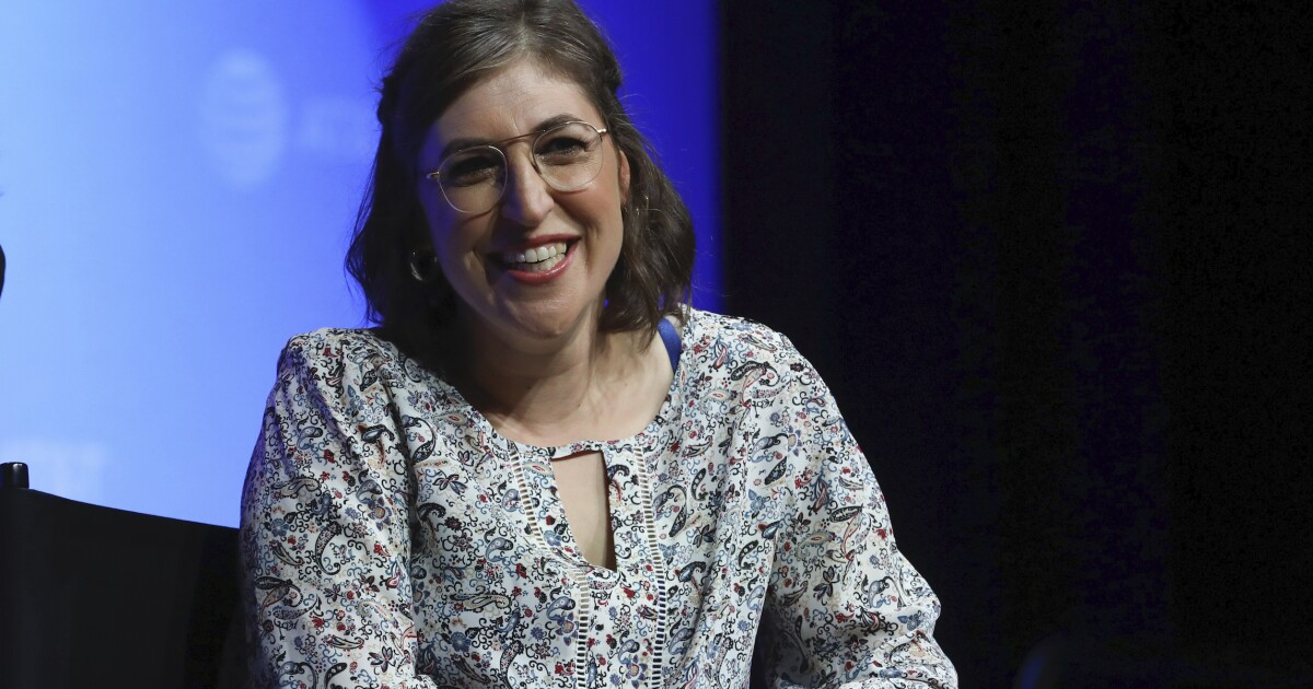 Does Mayim Bialik's Zionism mean she can't do her job? Liberal journalists think so