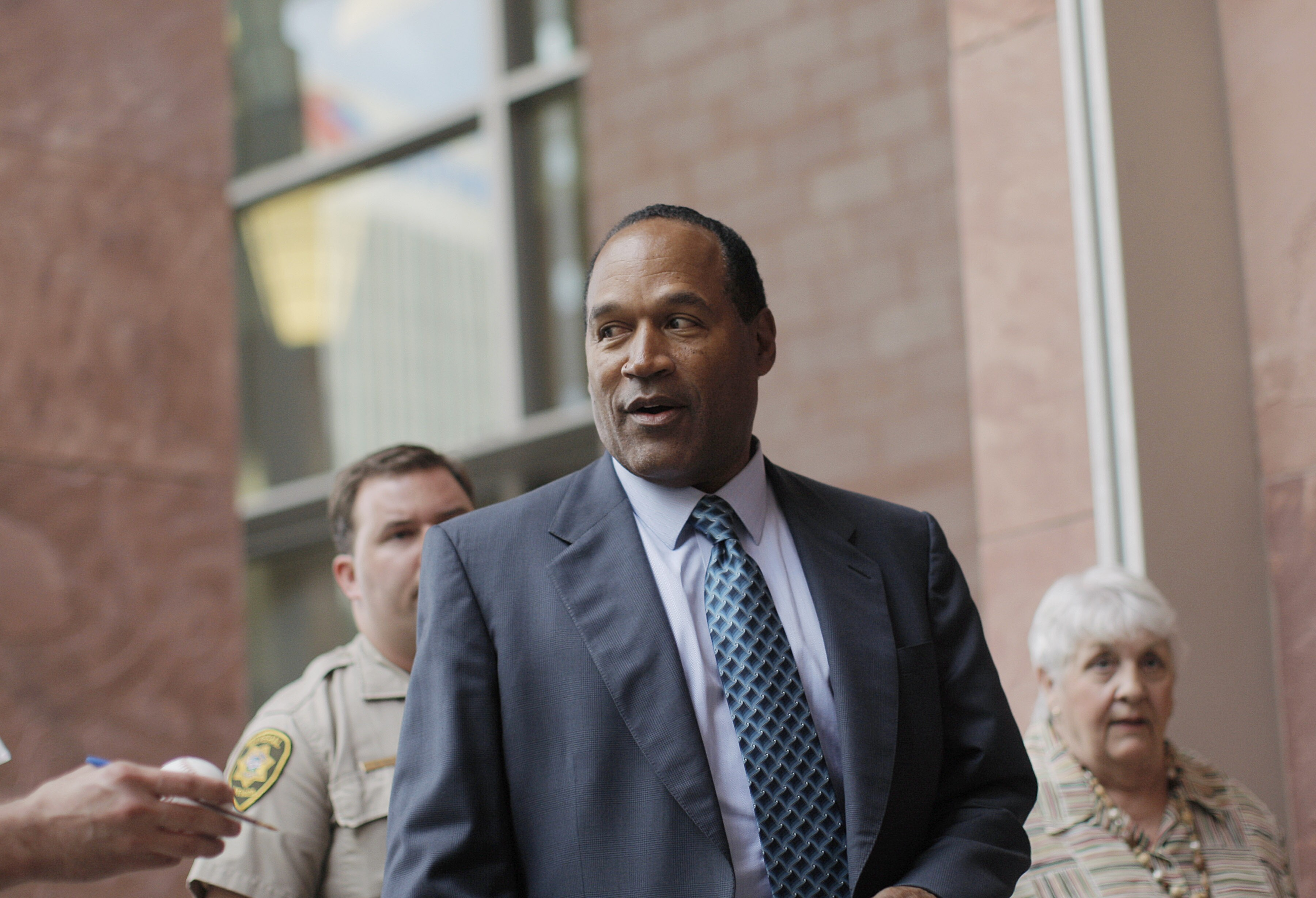 OJ Simpson: Colin Kaepernick 'made a bad choice in attacking the flag'