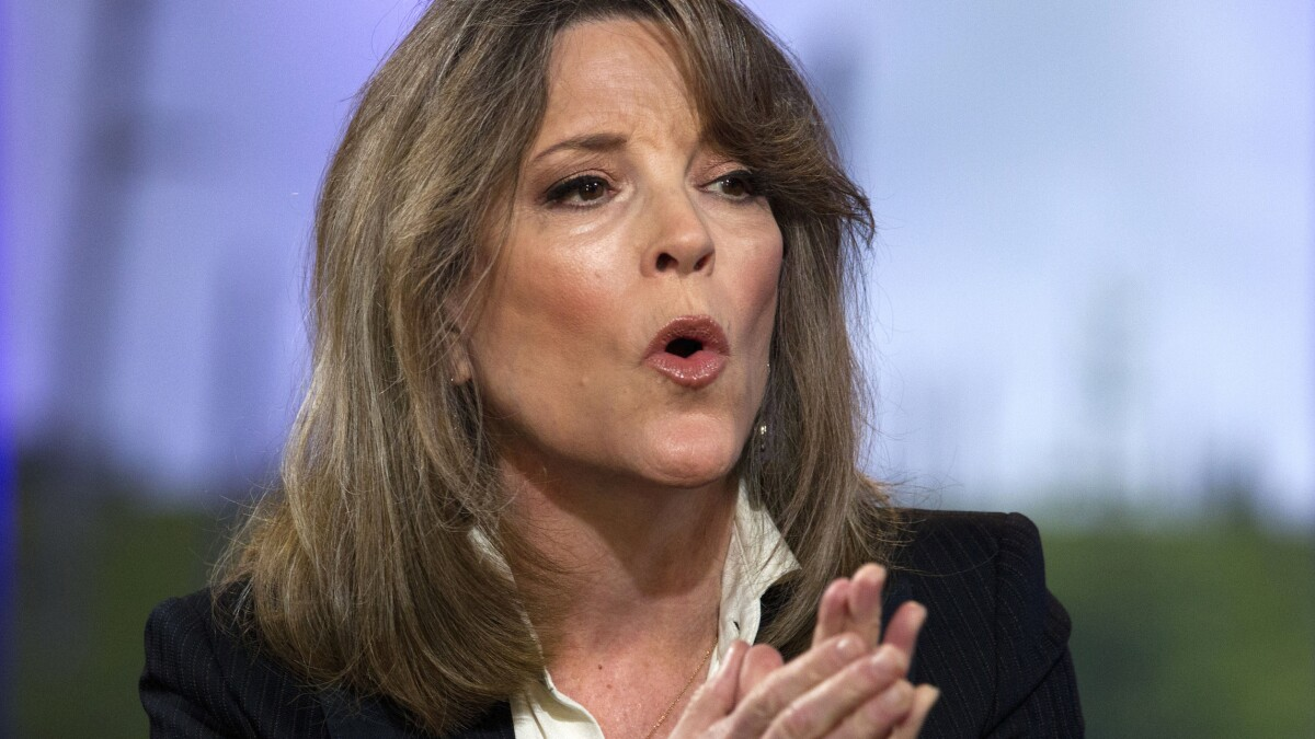 Marianne Williamson warns Clinton: 'Character assassination of women who don't toe the party line will backfire'