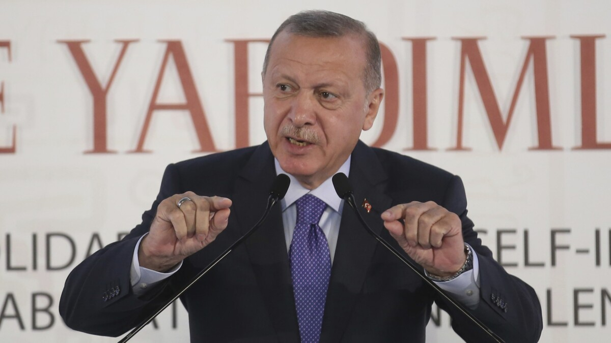 Erdoğan threatens to 'crush the heads' of Kurds if they do not leave buffer zone agreed to in ceasefire