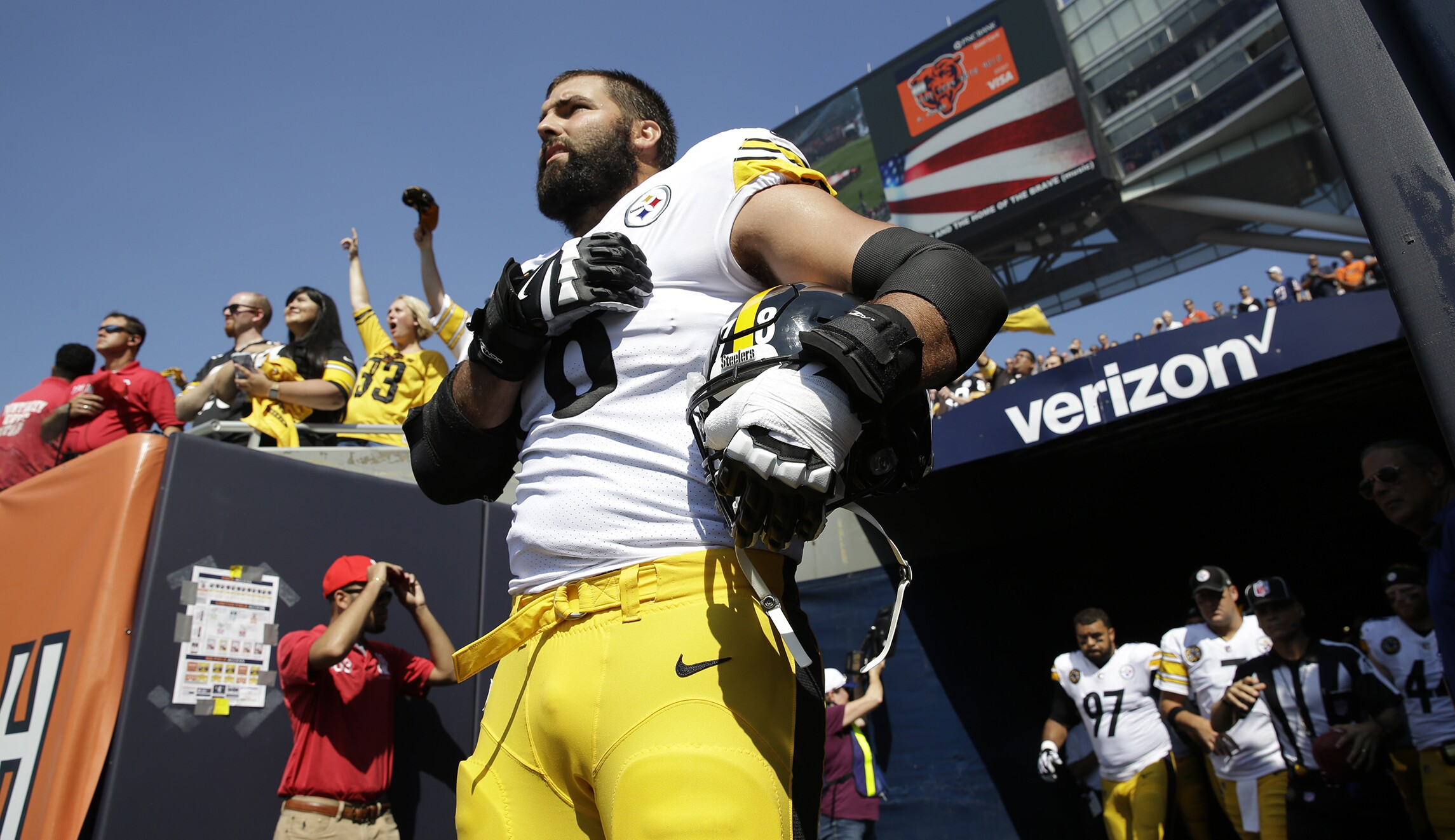 13260eb6419 Alejandro Villanueva, not Trump, is the only hero in the NFL protest debate