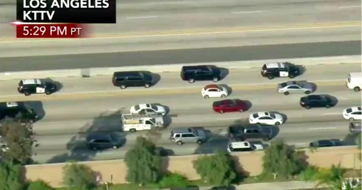 önéletrajz kttv News helicopters stalk Comey's motorcade on LA highway önéletrajz kttv