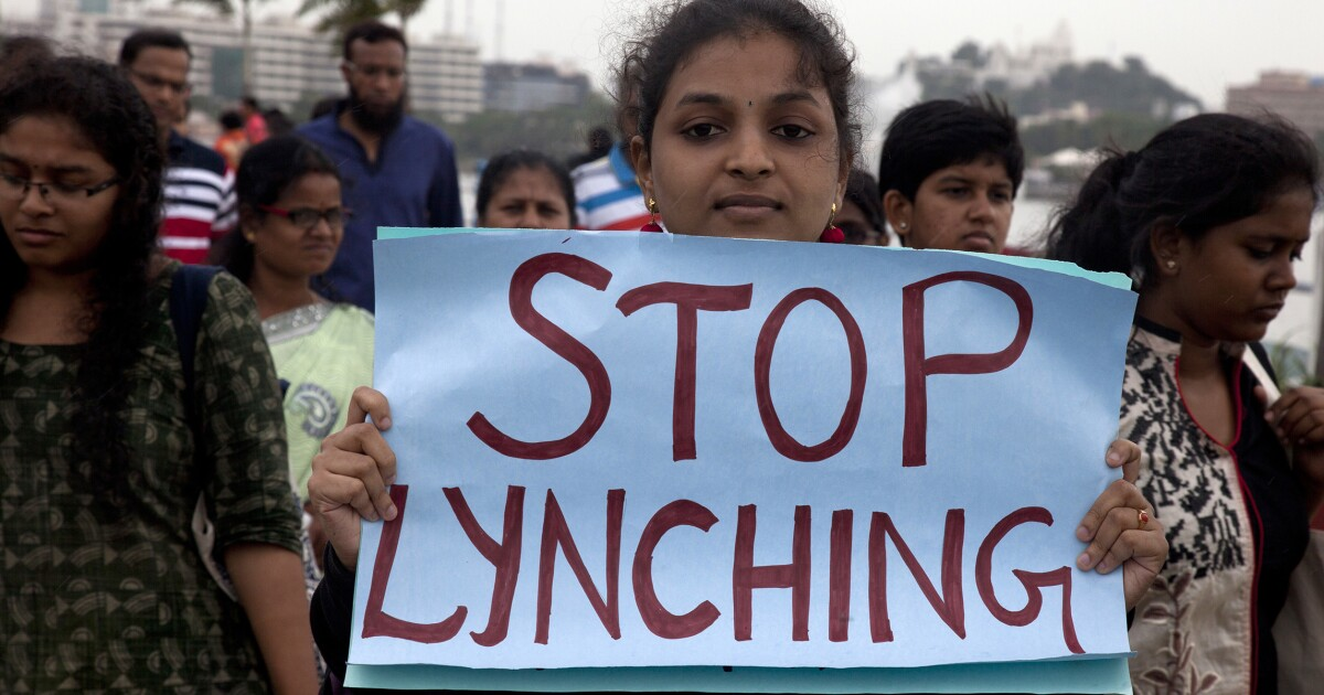 WhatsApp curtails message-forwarding worldwide after India lynchings